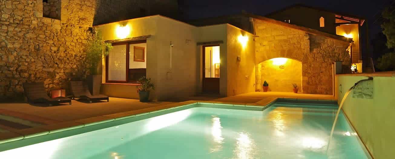gîte de charme avec piscine chauffée
