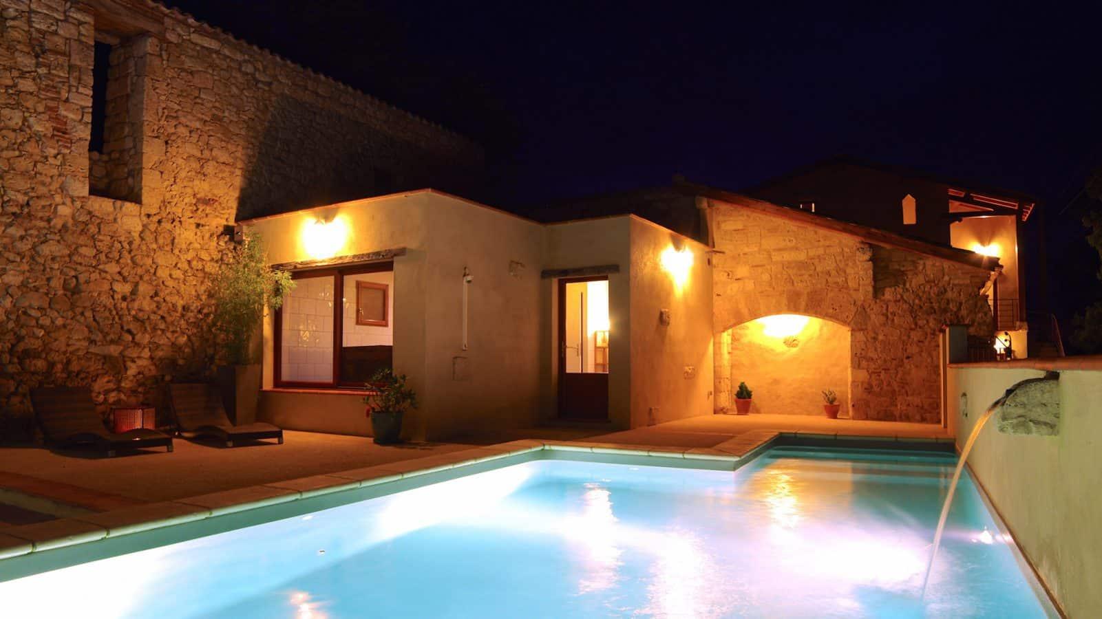 Espace d tente piscine et spa domaine de saussignac for Piscine sauna