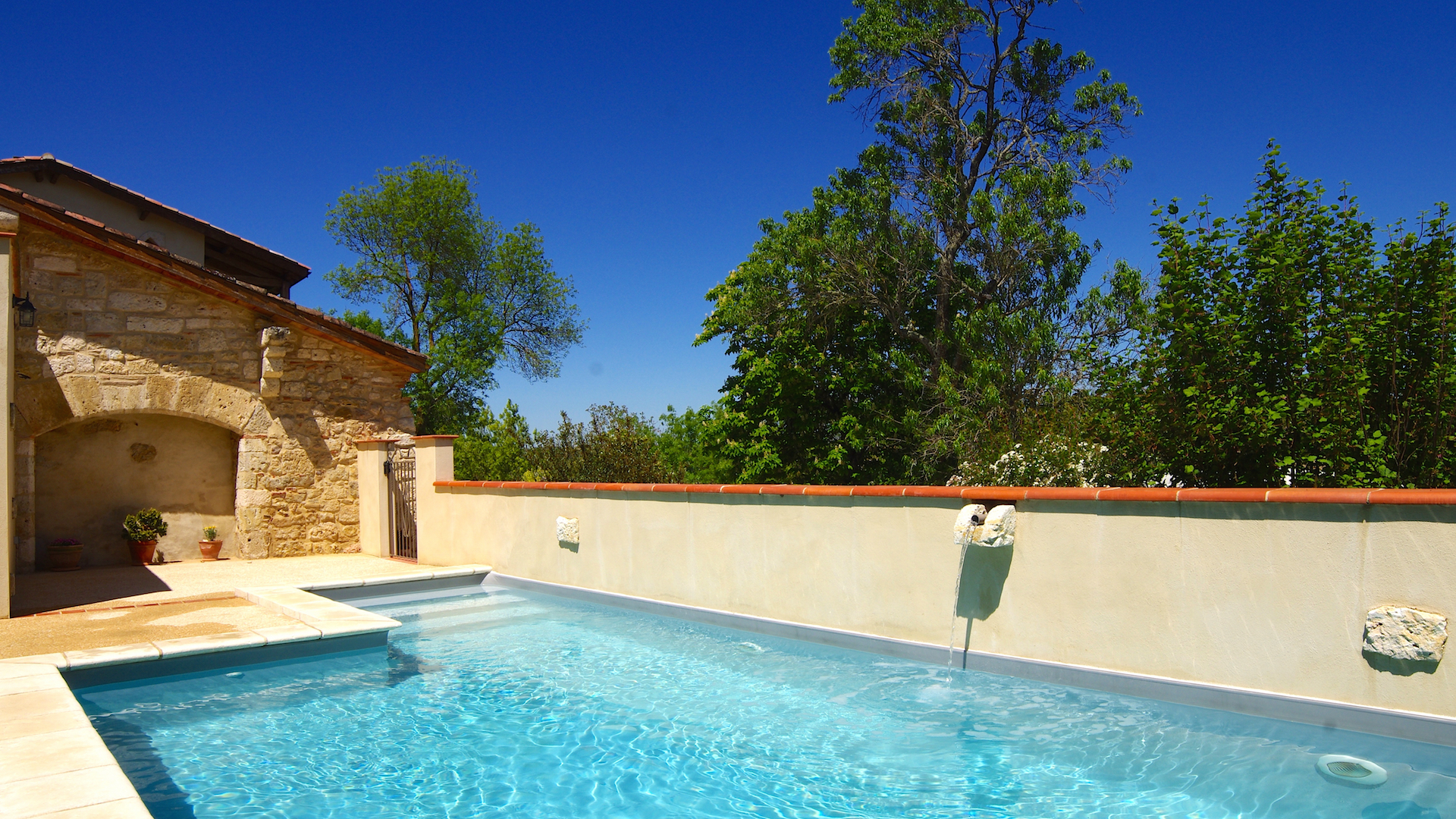 Espace d tente piscine et spa domaine de saussignac for Piscine et spa