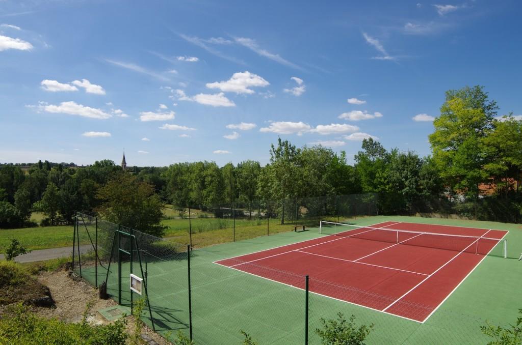 cour de tennis à sarrant