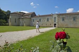 entrée de l'abbaye de Flaran, dans le Gers