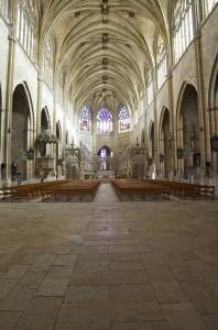 nef cathédrale saint-pierre intérieur condom
