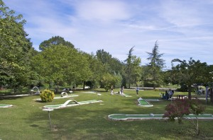 mini-golf à l'isle-jourdain