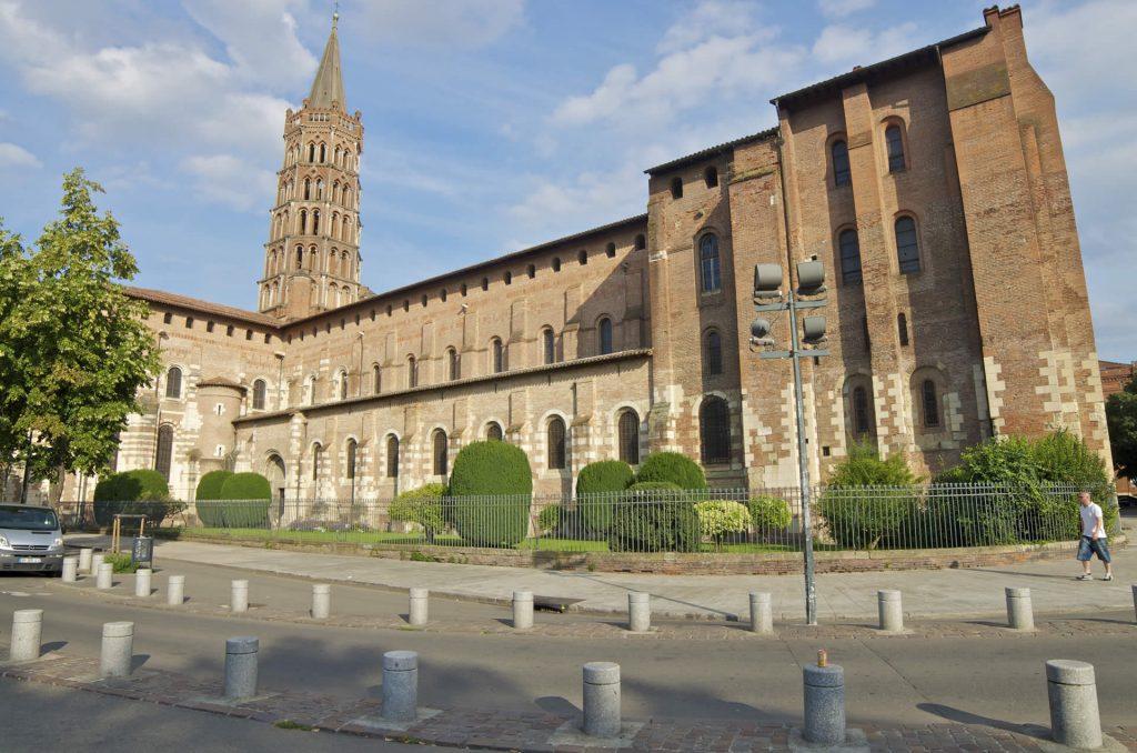 extérieur de la basilique saint-sernin