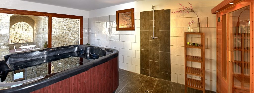 Nouveauté : la formule grand gîte de charme 4 chambres/10 personnes disponible à la location en haute saison