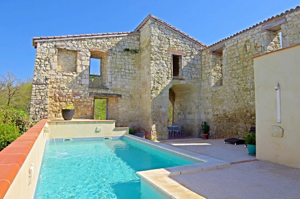 piscine chauffée, château, soleil