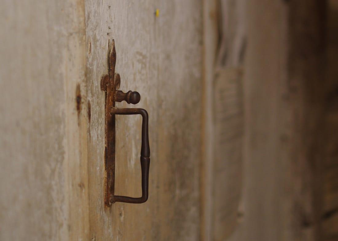Poignée de porte fer forgée église de Lachapelle