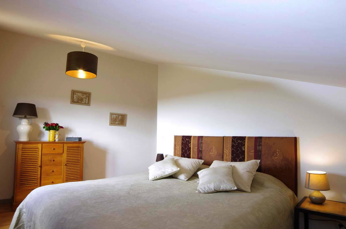 Domaine-de-Saussignac-chambre-jaune-juin-2012