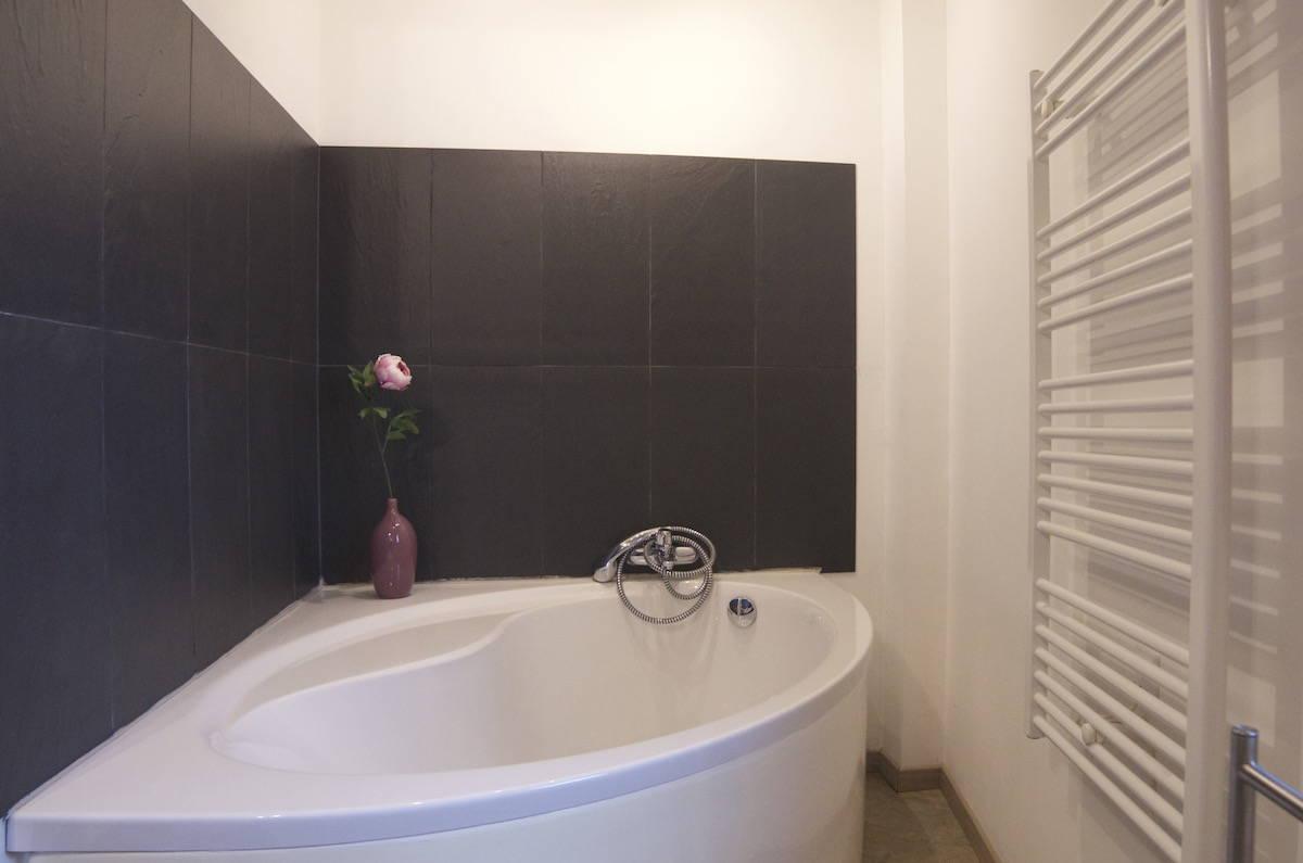 Domaine-de-Saussignac-salle-de-bain-grand-gite-etage-1