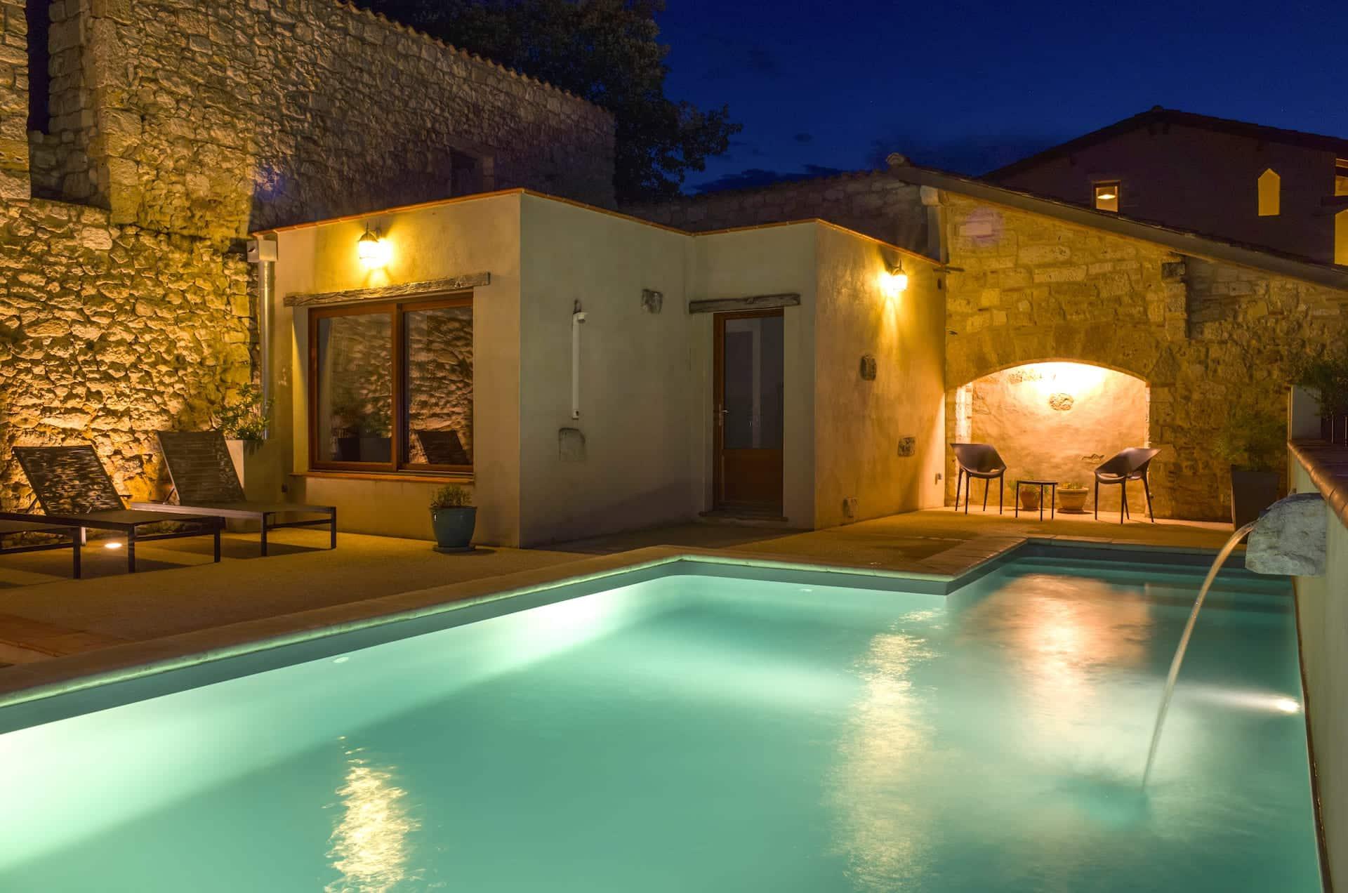 piscine chauffée gite haut de gamme sud-ouest