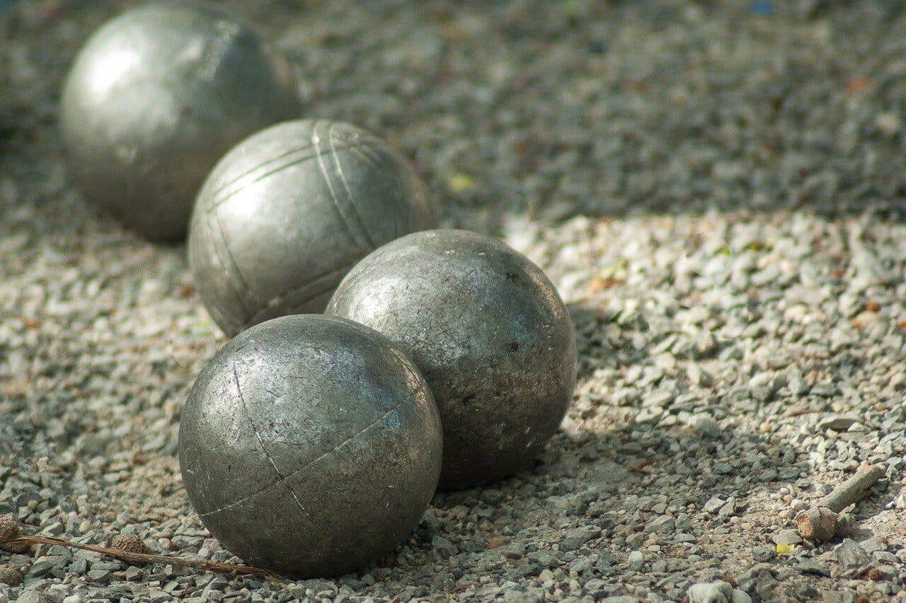 gîte de groupe boules de petanque jeux d'extérieur